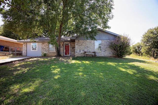 1806 Crawford Street, Graham, TX 76450 (MLS #14398754) :: The Heyl Group at Keller Williams