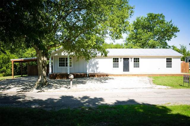 415 S Greenville Street, Wolfe City, TX 75496 (MLS #14398755) :: The Kimberly Davis Group