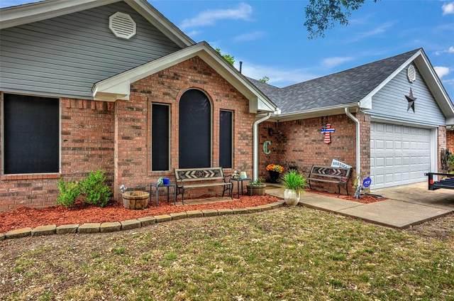 766 S Valentine Drive, Sherman, TX 75090 (MLS #14398814) :: NewHomePrograms.com LLC