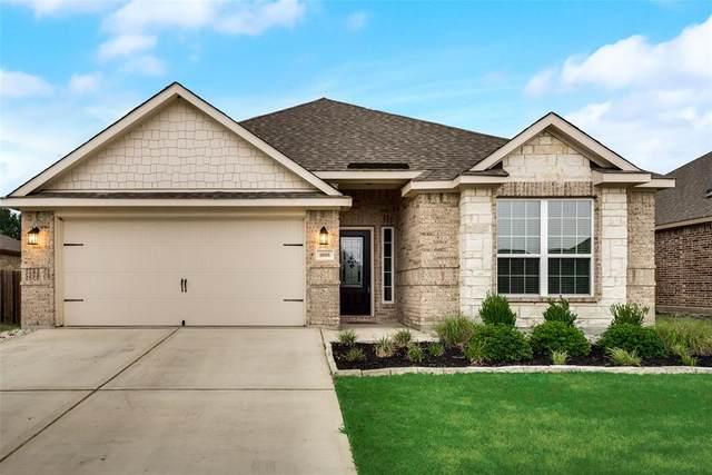 1008 Oak Valley, Denton, TX 76209 (MLS #14399142) :: NewHomePrograms.com LLC
