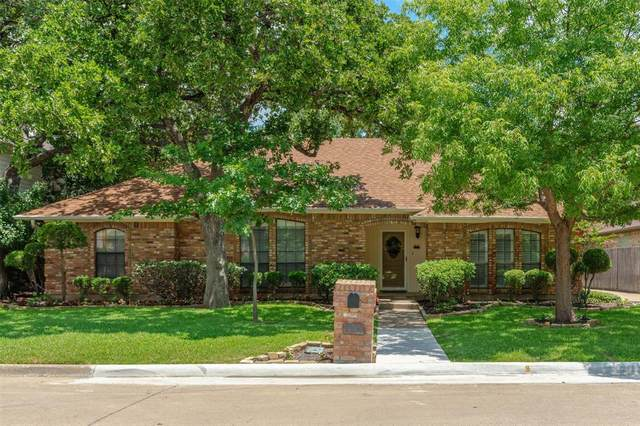 2100 Sapphire Drive, Arlington, TX 76017 (MLS #14399405) :: The Heyl Group at Keller Williams