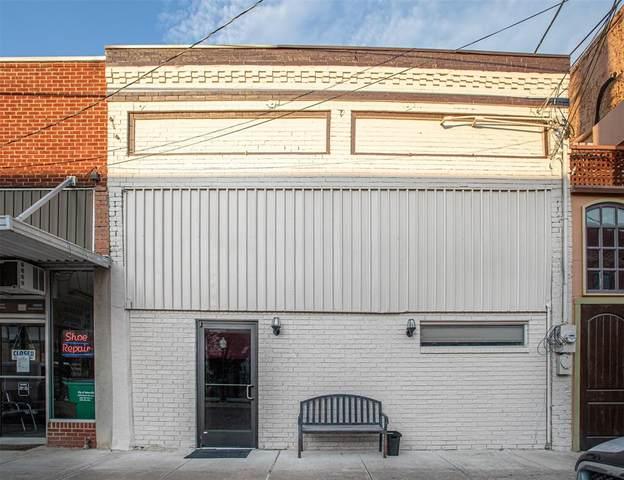 108 N Commerce Street, Gainesville, TX 76240 (MLS #14400390) :: The Kimberly Davis Group