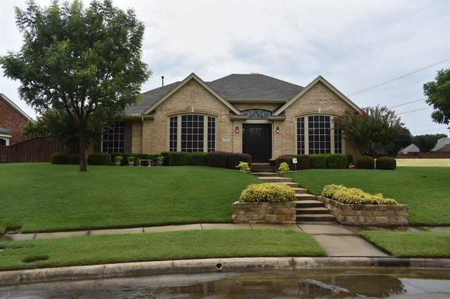 687 Hollow Circle, Coppell, TX 75019 (MLS #14400545) :: The Star Team | JP & Associates Realtors