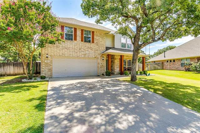 705 Twin Oaks Court, Burleson, TX 76028 (MLS #14400630) :: The Chad Smith Team