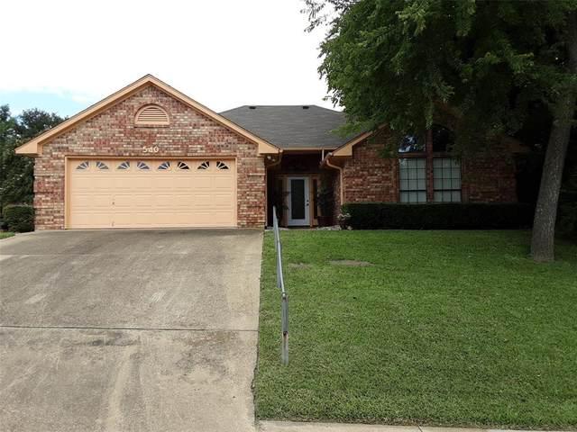 540 Woodcreek Drive, Midlothian, TX 76065 (MLS #14400937) :: The Kimberly Davis Group