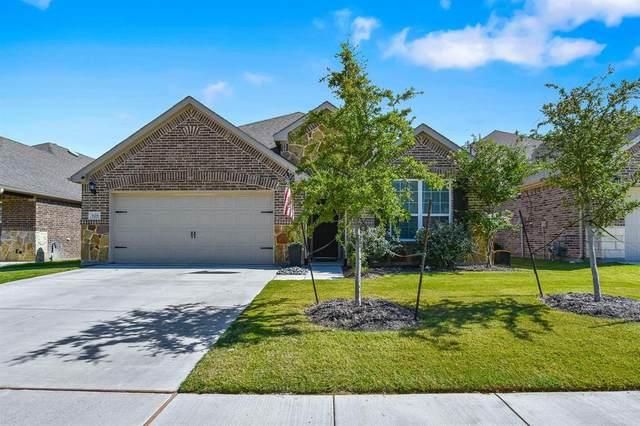929 Pinnacle Ridge Road, Fort Worth, TX 76052 (MLS #14401065) :: The Heyl Group at Keller Williams