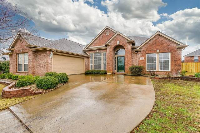 2979 Masters Court S, Burleson, TX 76028 (MLS #14401093) :: The Heyl Group at Keller Williams