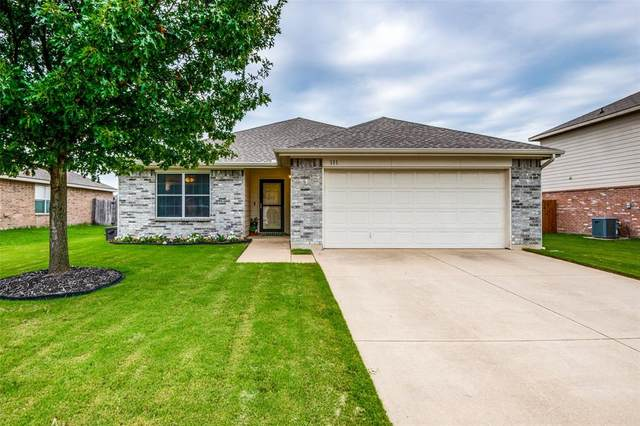 111 Thoroughbred Drive, Krum, TX 76249 (MLS #14401290) :: The Mauelshagen Group