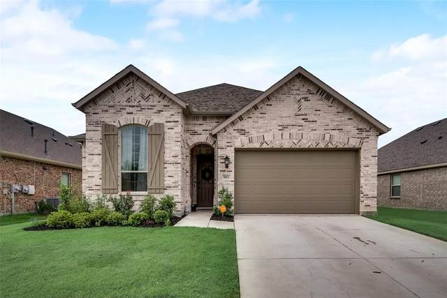 5811 Melville Lane, Forney, TX 75126 (MLS #14401309) :: Maegan Brest | Keller Williams Realty