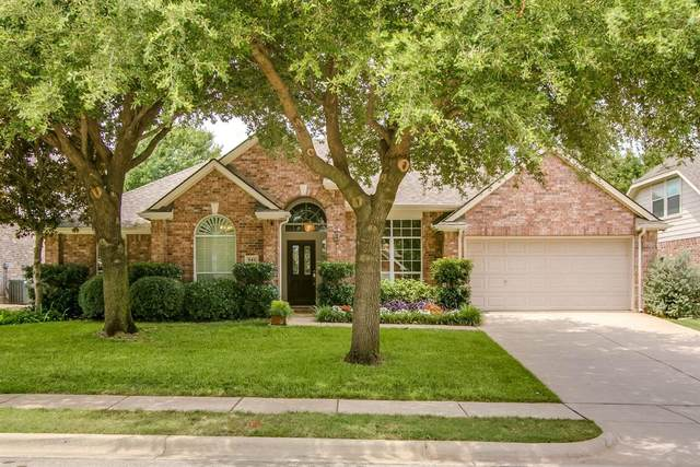 941 Water Oak Drive, Grapevine, TX 76051 (MLS #14401412) :: The Star Team | JP & Associates Realtors
