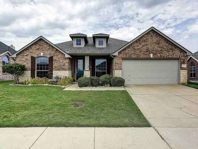 230 Cedar Crest Drive, Justin, TX 76247 (MLS #14401943) :: The Kimberly Davis Group