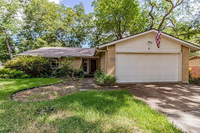 4 Eastlane Place, Plano, TX 75074 (MLS #14402363) :: Real Estate By Design