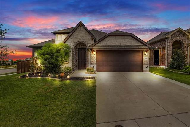901 Summer Lane, Mckinney, TX 75071 (MLS #14402498) :: The Chad Smith Team