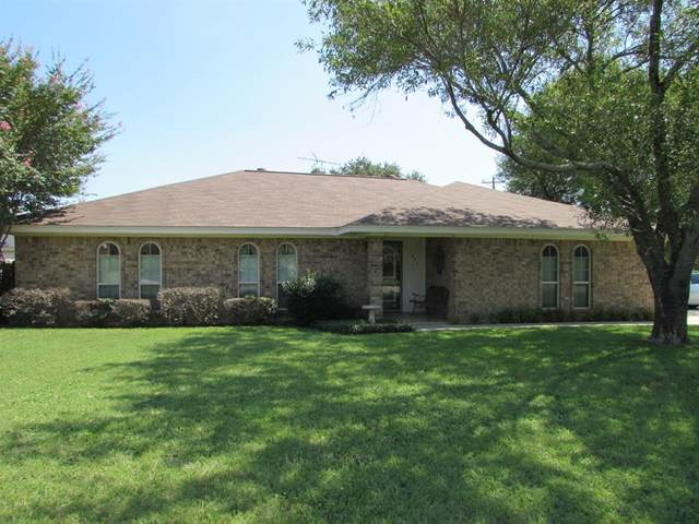 1824 Cindy Court, Burleson, TX 76028 (MLS #14402678) :: The Chad Smith Team