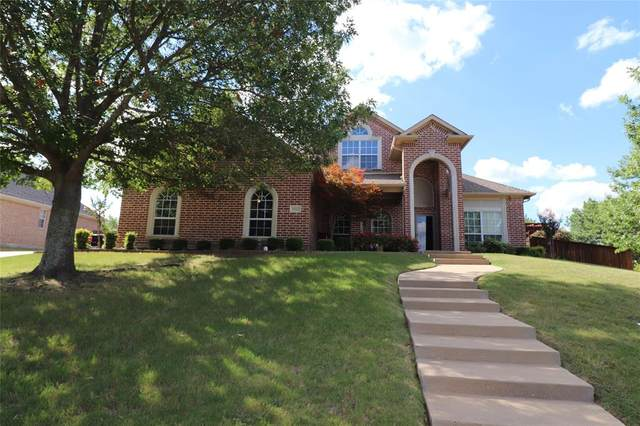1502 Leaning Oak Lane, Cleburne, TX 76033 (MLS #14402789) :: The Rhodes Team