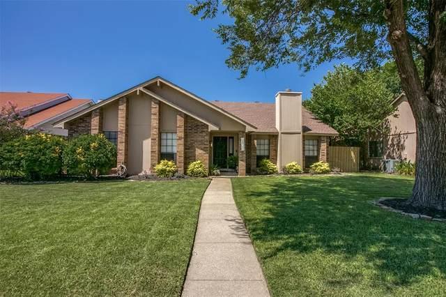 2820 Oxford Lane, Flower Mound, TX 75028 (MLS #14402805) :: Real Estate By Design