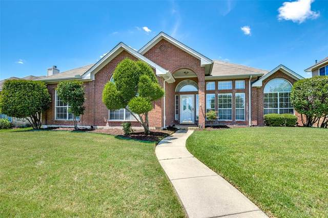 1714 Crosshaven Drive, Lewisville, TX 75077 (MLS #14402945) :: The Rhodes Team