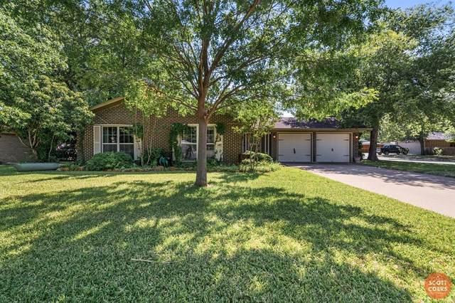2201 10th Street, Brownwood, TX 76801 (MLS #14403077) :: The Heyl Group at Keller Williams