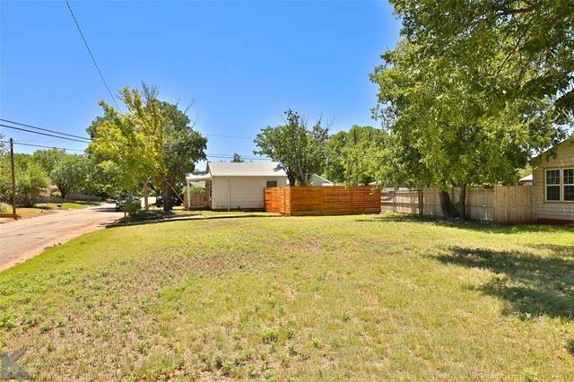 2949 S 3rd Street, Abilene, TX 79605 (MLS #14403192) :: North Texas Team | RE/MAX Lifestyle Property