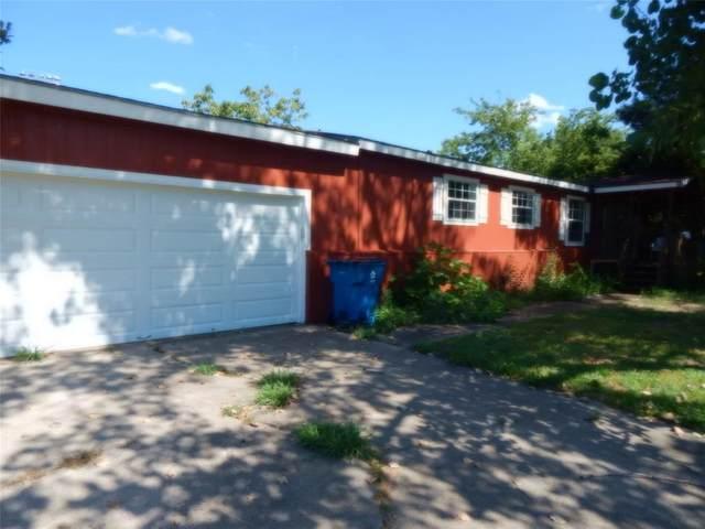 429 Ashley Lane, Roanoke, TX 76262 (MLS #14403234) :: The Kimberly Davis Group