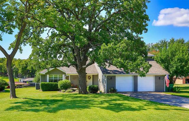 116 Seminole Drive, Lake Kiowa, TX 76240 (MLS #14403314) :: The Kimberly Davis Group