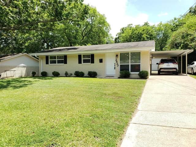 2437 E Devine Street, Tyler, TX 75701 (MLS #14403491) :: Frankie Arthur Real Estate