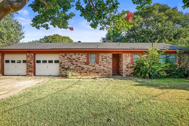 708 E Roewe Street, Pilot Point, TX 76258 (MLS #14403615) :: Justin Bassett Realty