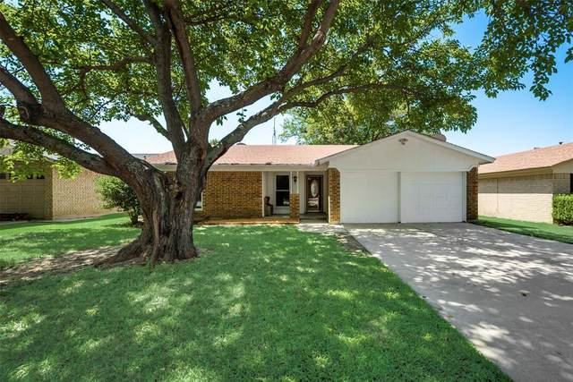 6512 Meadowview Lane, Watauga, TX 76148 (MLS #14403700) :: Real Estate By Design
