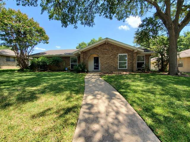 1224 Holt Avenue, Desoto, TX 75115 (MLS #14403740) :: The Heyl Group at Keller Williams