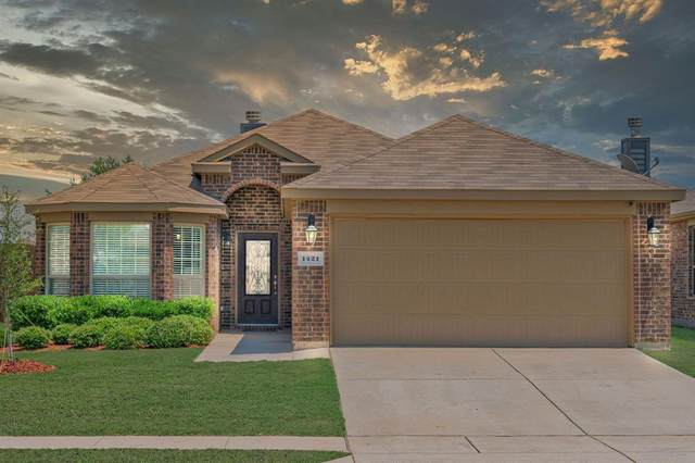 1421 Red River Drive, Aubrey, TX 76227 (MLS #14403773) :: The Heyl Group at Keller Williams