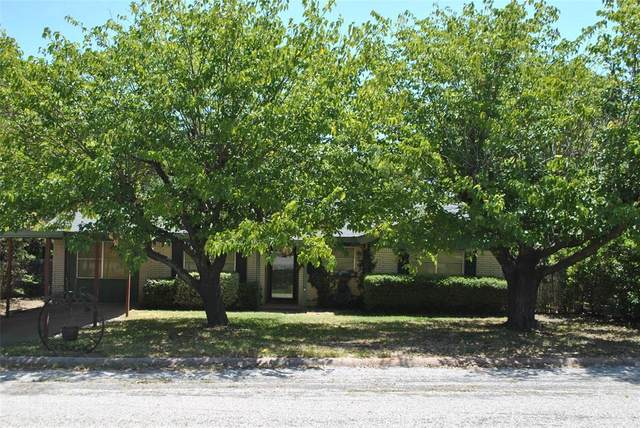 202 Sunset Drive, Comanche, TX 76442 (MLS #14403847) :: The Tierny Jordan Network