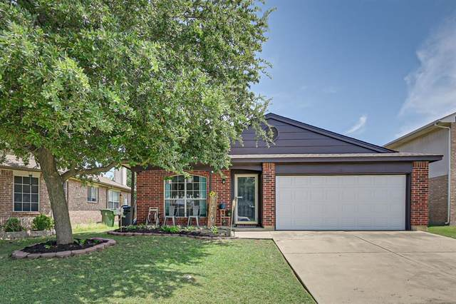 621 Hollyberry Drive, Mansfield, TX 76063 (MLS #14404064) :: The Chad Smith Team