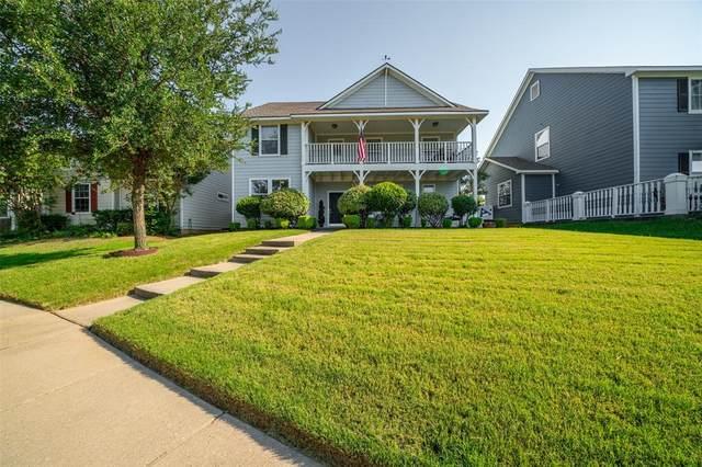 10004 Hanover Drive, Providence Village, TX 76227 (MLS #14404094) :: The Kimberly Davis Group