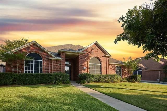 706 Saint Robby Drive, Mansfield, TX 76063 (MLS #14404324) :: The Heyl Group at Keller Williams