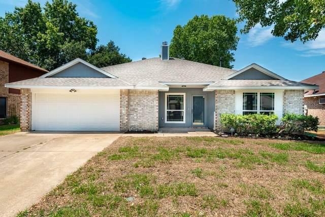 4937 Oak Hollow Drive, Grand Prairie, TX 75052 (MLS #14404327) :: The Chad Smith Team