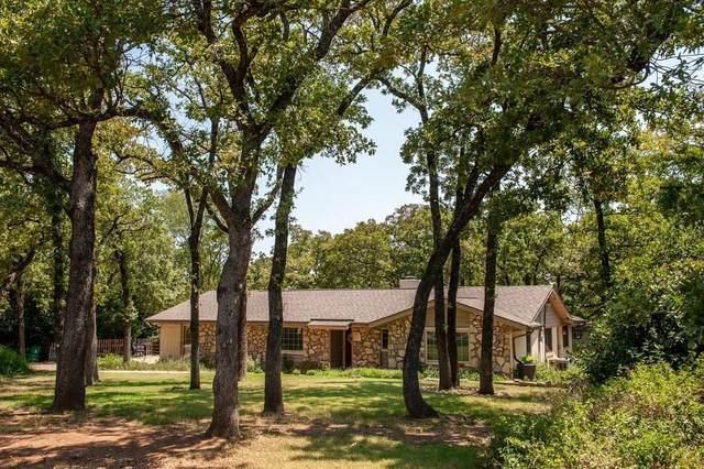 7815 Rendon Oaks Drive, Burleson, TX 76028 (MLS #14404347) :: The Chad Smith Team