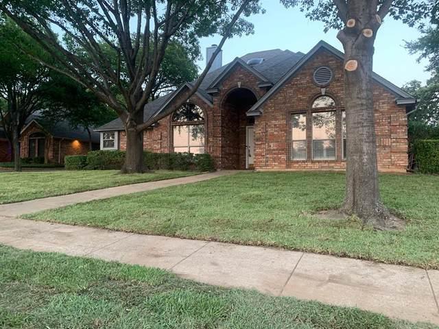 7336 Holiday Lane, North Richland Hills, TX 76182 (MLS #14404503) :: The Heyl Group at Keller Williams