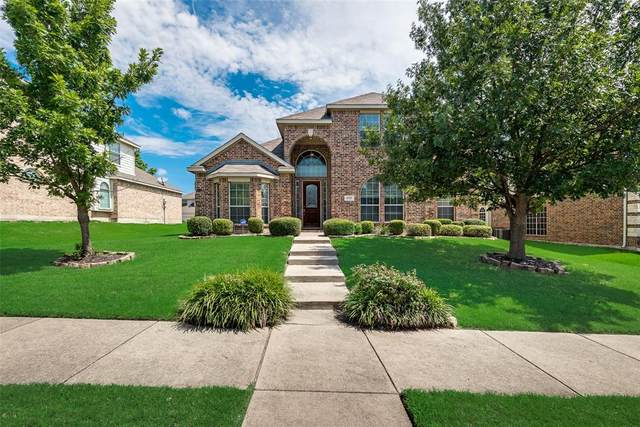 1717 Blue Stream Drive, Desoto, TX 75115 (MLS #14404605) :: The Heyl Group at Keller Williams