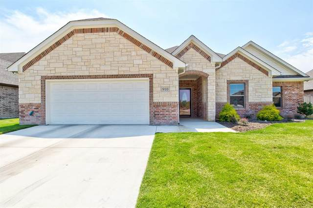 910 Bent Wood Lane, Cleburne, TX 76033 (MLS #14404670) :: Potts Realty Group