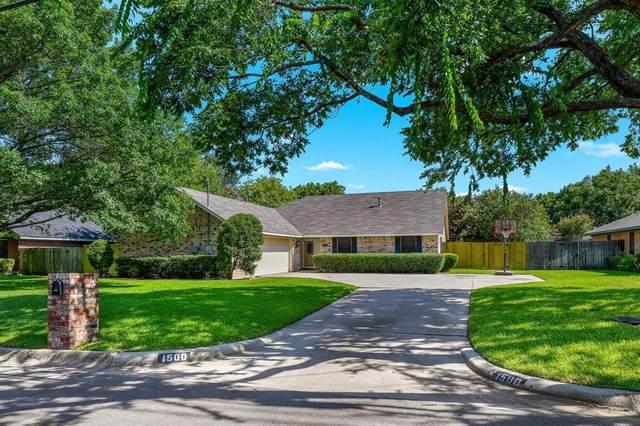 1500 Kings Row, Denton, TX 76209 (MLS #14404687) :: The Mauelshagen Group