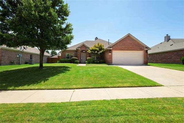 3015 Jacob Drive, Wylie, TX 75098 (MLS #14405351) :: Tenesha Lusk Realty Group
