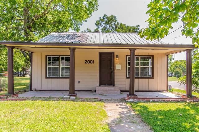 2001 N Crockett Street, Sherman, TX 75092 (MLS #14405517) :: The Heyl Group at Keller Williams