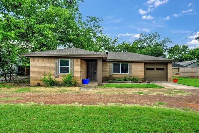 311 E Division Street, Pilot Point, TX 76258 (MLS #14405547) :: The Good Home Team