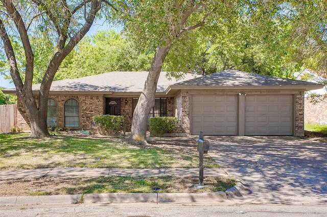 1901 Overbrook Drive, Arlington, TX 76014 (MLS #14405597) :: RE/MAX Pinnacle Group REALTORS