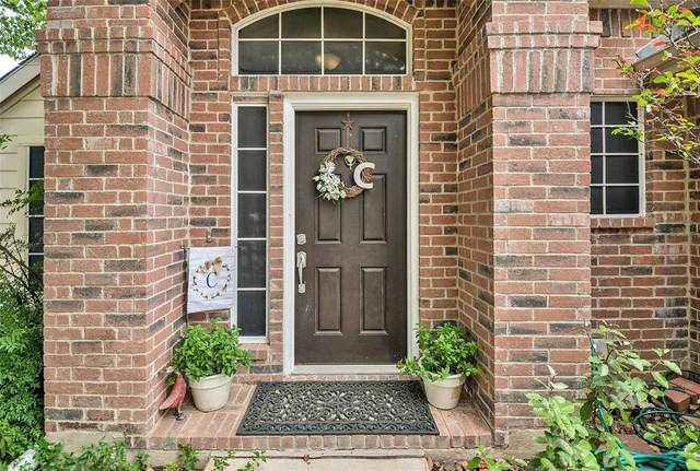 608 Babbling Brook Drive, Saginaw, TX 76179 (MLS #14405610) :: The Heyl Group at Keller Williams