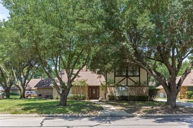 1121 Augusta Court, Mansfield, TX 76063 (MLS #14405936) :: The Heyl Group at Keller Williams