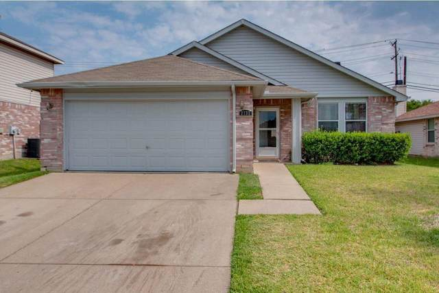 2132 Hacienda Court, Grand Prairie, TX 75052 (MLS #14406068) :: The Heyl Group at Keller Williams