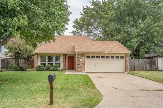 962 S Riverside Drive, Grapevine, TX 76051 (MLS #14406246) :: Frankie Arthur Real Estate