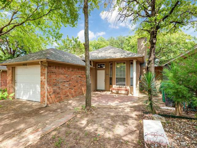 904 Mack Place, Denton, TX 76209 (MLS #14406312) :: The Mauelshagen Group