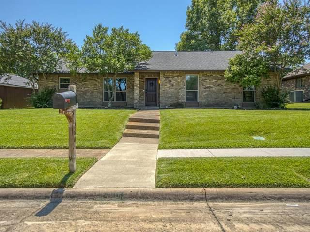 2604 Downing Drive, Plano, TX 75023 (MLS #14406380) :: Frankie Arthur Real Estate